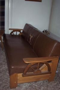 Vintage Wagon Wheel Sofa Lol