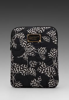 Marc by Marc Jacobs Pretty Nylon Mini Mareika Tablet Case in Black Multi