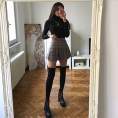 Image about style in fashion by emma on We Heart It Adrette Outfits, Cute Skirt Outfits, Teen Fashion Outfits, Cute Casual Outfits, Look Fashion, Fall Outfits, Fashion Pants, Grunge Outfits, School Skirt Outfits