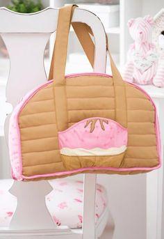 Que tal fazer uma bolsa bem linda para estar com seu bebê? Você vai aprender como criar um item meig