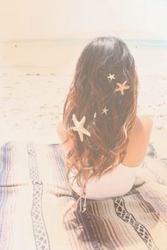 Starfish in her hair ❤