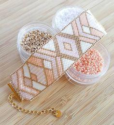 Miyuki delica beads handwoven Cuff Bracelet / / Peyote Stich / / pink white and champagne gold / / personalized pattern Beaded Cuff Bracelet, Bead Loom Bracelets, Beaded Bracelet Patterns, Bead Loom Patterns, Beading Patterns, Beading Ideas, Cuff Bracelets, Seed Bead Jewelry, Beaded Jewelry