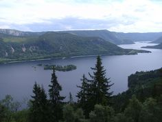 Byglandsfjorden Lake, Norway. :)