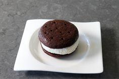 Ice Cream Cookie Sandwich, Ice Cream Pies, Ice Cream Treats, Ice Cream Desserts, Frozen Desserts, Cookie Desserts, Ice Cream Recipes, Frozen Treats, Cookie Recipes