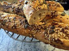 Kváskové bagety (fotorecept) - recept   Varecha.sk Thing 1, Bread, Food, Basket, Brot, Essen, Baking, Meals, Breads