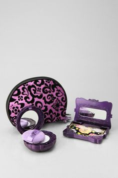 Perfect lil touch-up kit from Anna Sui! #urbanoutfitters