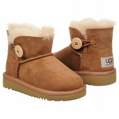 Mini is Big This Year - Ugg Mini Bailey Button In Chestnut