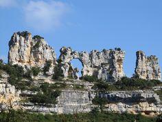El beso de los Camellos, Hoces del río Ebro. Orbaneja del Castillo (Valle de Sedano, Burgos). #CastillayLeon #Spain
