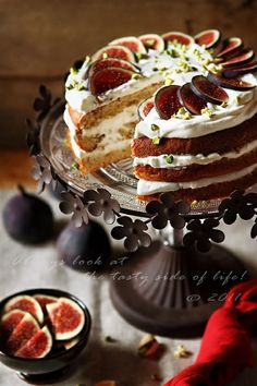 honey cake with figs, pistachios and hazelnuts. This reminds me of a cake a Russian friend made for me only they used dates and prunes instead of figs because that's all that was available where we lived. It was delicious! Fig Recipes, Sweet Recipes, Baking Recipes, Cake Recipes, Dessert Recipes, Food Cakes, Cupcake Cakes, Just Desserts, Delicious Desserts
