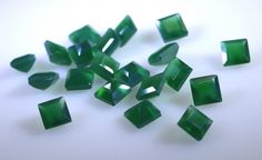 Green onyx is the most popular and valuable gemstone. Green onyx  is used to make your own jewelry  gemstone can have some minor inclusions.The pictures