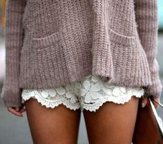 lace shorts Fashion Moda, Look Fashion, Fashion Beauty, Womens Fashion, Fall Fashion, Beauty Style, Petite Fashion, Ladies Fashion, Curvy Fashion