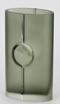 Awesome Useful Ideas: Copper Vases vases interior ideas.Vases Decoration How To Make pink vases gold accents. Vase Centerpieces, Vases Decor, Drawing Simple, Big Vases, Large Vases, Tall Vases, Art Nouveau, Vase Design, Paper Vase