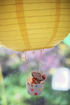 hot air balloons (babar) with paper lanterns