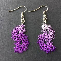 Boucles d'oreille en dentelle, frivolité, tatting fait main, vagues violet