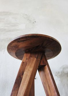 -by Take Home Design- 'piece round stool & bar stool' (detail) Log Stools, Cool Bar Stools, Custom Furniture, Furniture Design, Plywood Furniture, Modern Furniture, Wood Chair Design, Outdoor Dining Chair Cushions, Lounge Chairs