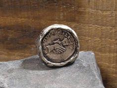 Guarda questo articolo nel mio negozio Etsy https://www.etsy.com/it/listing/540530947/silver-ring-coin-ring-romans-coin-hand
