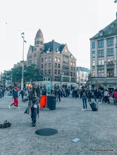 A 2 day Amsterdam itinerary with sightseeing and travel tips, and a quick day trip to the countryside. Find out how we spend 2 days in Amsterdam itinerary. 2 Days In Amsterdam, Amsterdam Map, Amsterdam Itinerary, Visit Amsterdam, Dam Square, Walking Routes, Small Group Tours, Old Churches, Short Trip