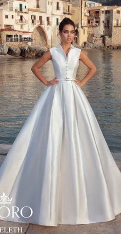 Wedding Designs Tesoro 2019 'Sicilian Fairytale Story' Wedding Dresses Collection - If there are no wedding dress lines that can satisfy you so far, how about 'Sicilian fairytale story' from Tesoro 2019 wedding dress collection? Western Wedding Dresses, Black Wedding Dresses, Princess Wedding Dresses, Bridal Dresses, Wedding Gowns, Mermaid Dresses, Ball Dresses, Beautiful Gowns, The Dress