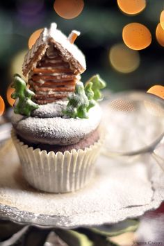 Winter Tales Recipe and Tutorial: Chilli Chocolate Log Cabin Cupcakes