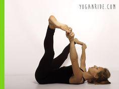 posizone-del-bebè felice http://www.yoganride.com/5-posizioni-yoga-per-allungare-il-bicipite-femorale/