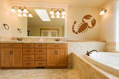 Орнаментите за стена изработени от самозалепящо се винилно фолио са много лесен и достъпен начин за декорация на стена, врати или прозорци и витрини.