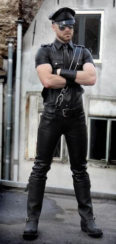 Leather Harness, Leather Men, Leather Pants, Hot Bad Boy, Bad Boys, Hot Men, Hot Guys, Motorcycle Leather, Bikers