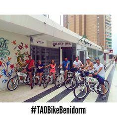 Estos chicos de #barcelona y #tarragona van a descubrir un nuevo #benidorm con nuestras #taobike van a recorrer #albir y #altea con nuestras #bicicletaselectricas y conocer el parque natural de #sierragelada !! #alquilerbicicletas #bicicletaselectricas #benidormnolimits #ecoturismo #turismoresponsable #bikerental #elotrobenidorm