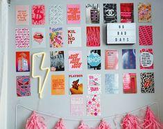 Bedroom Prints Wall, Dorm Room Walls, Cute Dorm Rooms, Room Ideas Bedroom, Wall Prints, Teen Bedroom, Wall Decor For Bedroom, Girl Bedrooms, Preppy Dorm Room