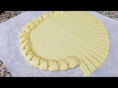 Je retourne avec une nouvelle recette.. 😉👌 - YouTube Batter Recipe, Cake Youtube, Great Desserts, French Pastries, Sweet Tarts, Cake Decorating Tips, Pie Recipes, Love Food, Bread