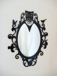"""""""Espelho, espelho meu, existe alguém mais bela do que eu?"""""""