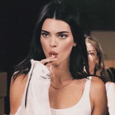 kendall discovered by ♡ 𝔳 𝔦 𝔠 𝔱 𝔬 𝔯 𝔦 𝔞 ♡ on We Heart It Kardashian Kollection, Kardashian Jenner, Kendall Jenner Estilo, Kendall Jenner Outfits, Kendall Jenner Quotes, Kendall Jenner Icons, Kendall Jenner Smoking, Kendal Jenner Hair, Kendall Jenner Coachella