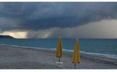 COLPO DURO  PER L'ESTATE ITALIANA - L'ANNUNCIO DEI METEOROLOGI: STA PER ARRIVARE ''CIRCE'' Non ci sono buone notizie per chi è pronto a staccare dal lavoro e si sta preparando in questi giorni a partire per le vacanze: l'estate meteorologica potrebbe, infatti, fare brutti scherzi proprio n #meteo #previsioni