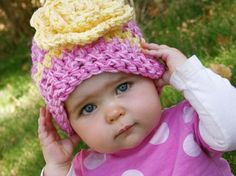 This crochet pattern make the cutest, chunky hat with a HUGE flower for little girls and babies. Keep your girl warm and crochet her a thick, cozy hat