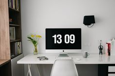 Your home office is a great space for you to focus on your work without distractions. So how about getting started with your own home office makeover? Money From Home, Make Money Online, How To Make Money, Home Office Design, Home Office Decor, Home Decor, Office Furniture, Table Bureau Ikea, Analyse Site