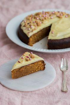 Sød kartoffelkage med citron ganache Danish Dessert, Single Layer Cakes, Cook N, No Bake Snacks, Cheesecake, Sweets, Candy, Brownies, Drink