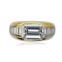 Diamantring mit Diamant-Baguette Mittelstein 3,41ct zusammen 4,56ct #Diamanten #vintage #ring #jewel #schmuck #rings https://www.schmuck-boerse.com/index-gold-ringe.htm