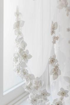 3D Flower Veil - Elle + Adhira / Daphne Newman