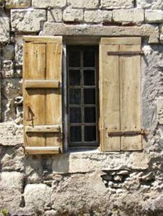 Exterior window shutters can ruin the look of your house. There is a lot to know about shutters. Learn everything you need to know about shutters here. Pallet Shutters, Old Wooden Shutters, Window Shutters Exterior, Repurposed Shutters, Board And Batten Shutters, Vintage Windows, Antique Windows, Modern Farmhouse Exterior, Window Frames