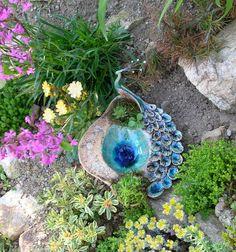 Ceramic Pots, Clay Pots, Green Kitchen Decor, Beginner Pottery, Leaf Bowls, Hand Built Pottery, Ceramic Techniques, Ceramics Projects, Pottery Designs