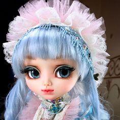 Blue Sky AlicePullip Custom Doll Available for adoption in my Etsy. #OOAK #Doll #OoakDoll #PullipCustom #pullipOoak #pullip #customDoll #NexbetDolls #Dolls #куклы #Пуллип