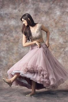 Plus Size Designer Dresses: Stylish, Flattering & Sexy Indian Bridal Outfits, Indian Designer Outfits, Designer Dresses, Look Fashion, Skirt Fashion, Fashion Dresses, Fashion Clothes, Fashion Art, Fashion Jewelry