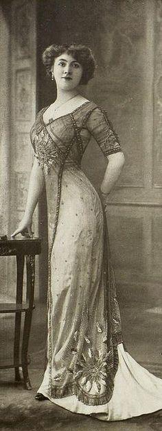 Edwardian Female Fashion – 1900s-10s (TAG: PUBLIC DOMAIN)