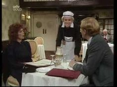 Julie Walters in a Victoria Wood sketch playing an elderly waitress Live Comedy, Comedy Tv, Comedy Scenes, English Comedians, Victoria Wood, Julie Walters, Comedy Clips, Funny Moments, Funniest Moments