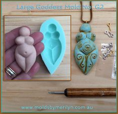 Goddess Earth Mother Silicone Craft Mould suitable for Polymer Clay. Polymer Clay Projects, Diy Clay, Resin Crafts, Polymer Clay Jewelry, Diy Crafts, Clay Beads, Wiccan Crafts, Air Dry Clay, Book Of Shadows