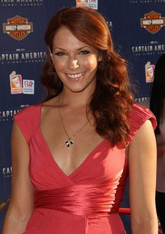 Amanda Righetti at event of Captain America: The First Avenger Beautiful Red Hair, Beautiful Redhead, Beautiful Celebrities, Beautiful Women, Amanda Righetti Captain America, Donna Mills, Captain America Costume, Actrices Sexy, Amanda Seyfried
