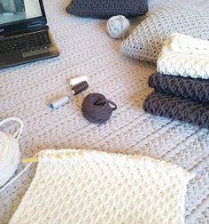 Crochet con agujas grdes y chicas