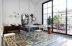 La casa de Frida Kahlo en Cayoacán, México. En México dicen que nacer y morir en el mismo lugar es una bendición. Frida Kahlo lo hizo en la 'Casa Azul' de Coyoacán, donde creció, creó, amó y se refugió en su soledad y en sus plantas.