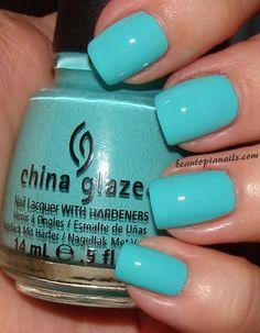 Wedding nails turquoise tiffany blue china glaze 53 Ideas – My CMS Spring Nail Colors, Spring Nails, How To Do Nails, Fun Nails, Tiffany Blue Nails, Blue Nail Polish, Gel Polish, Super Nails, China Glaze