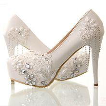 Borla de La manera de Las Mujeres Bombas Plataforma Mujer Zapatos de Tacón Alto Talón Fino Solos Zapatos Elegantes Diamantes de Imitación Floral de La Boda Zapatos de Novia(China (Mainland))