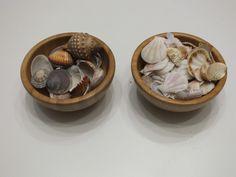 ¿Qué son las Loose Parts y las Tinker Tray? Reggio Emilia, Serving Bowls, Tray, Tableware, School, Nature, Mesas De Luz, Natural Materials, Games